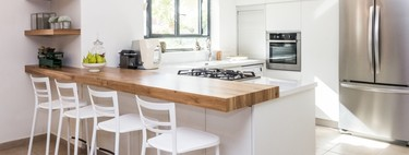 Nordic kitchens in light tones and with touches of natural wood are the most demanded when designing the kitchen