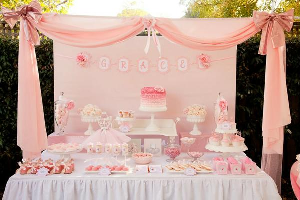 Ballerina themed table with details