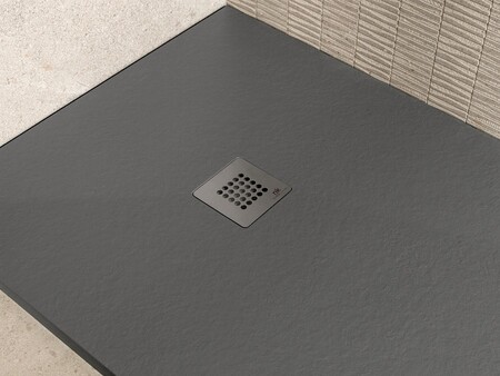 Walk-in shower tray, ideal for small bathrooms