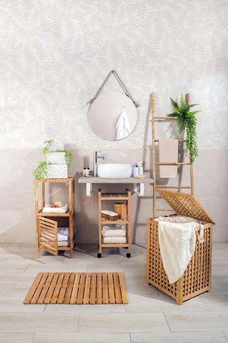 Wood Bathroom Tidying 01