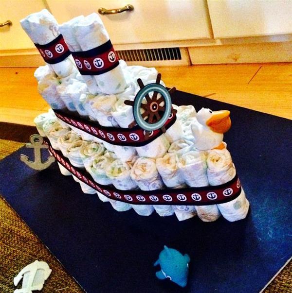 how to make small diaper cake