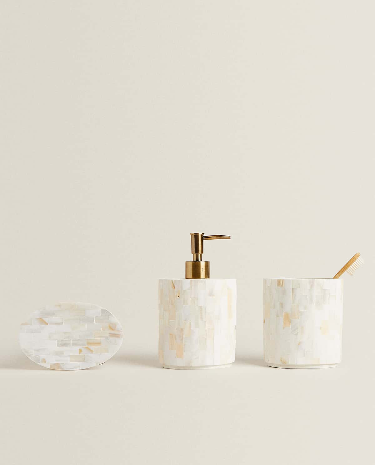 Mother of pearl bath set