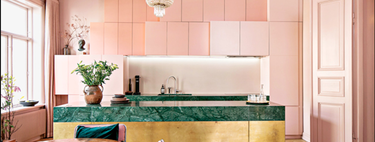 Open doors: a flat in Oslo with a stunning pink, gold and green kitchen