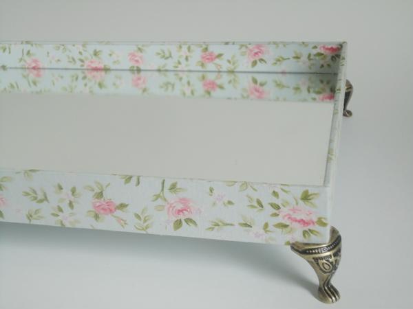 mirrored fabric lining tray