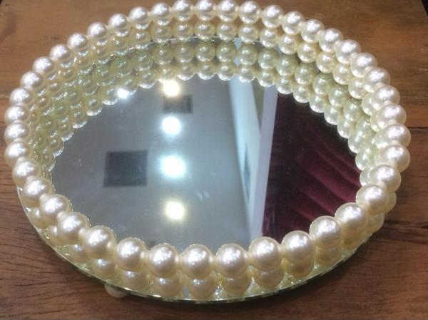 round mirrored tray with pearls