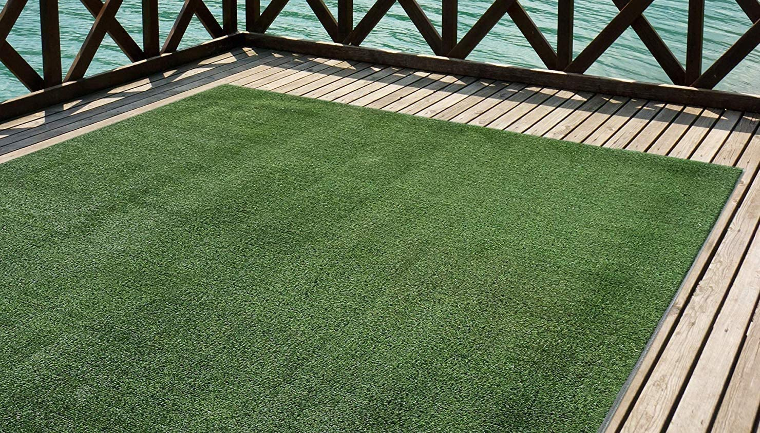 Premium artificial grass.  Height of 7mm.  1x5 meter rolls For terrace, garden, fence, pool, dog etc (1x5)