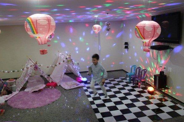 nightclub-pajama-party