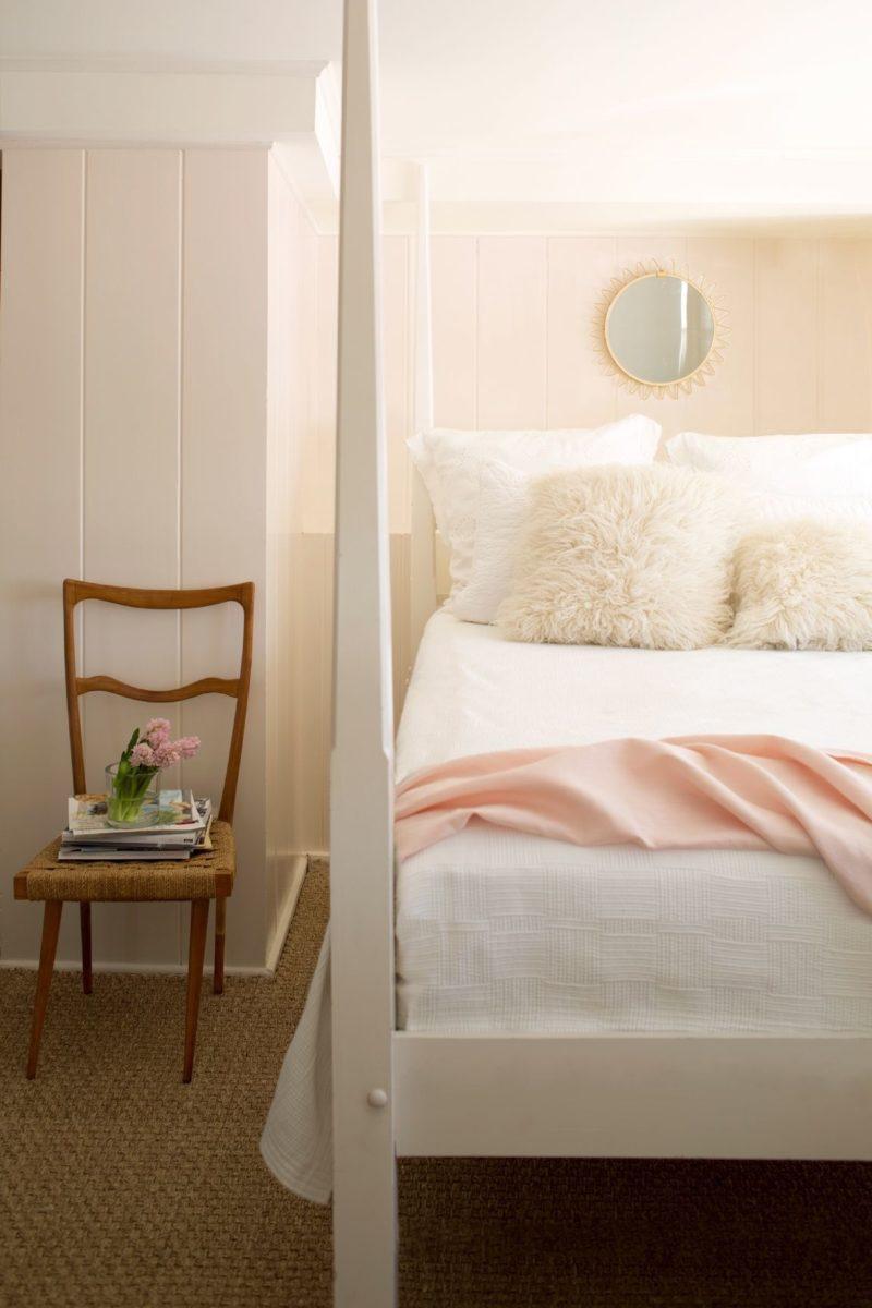 peach-colored-bedroom-vintage
