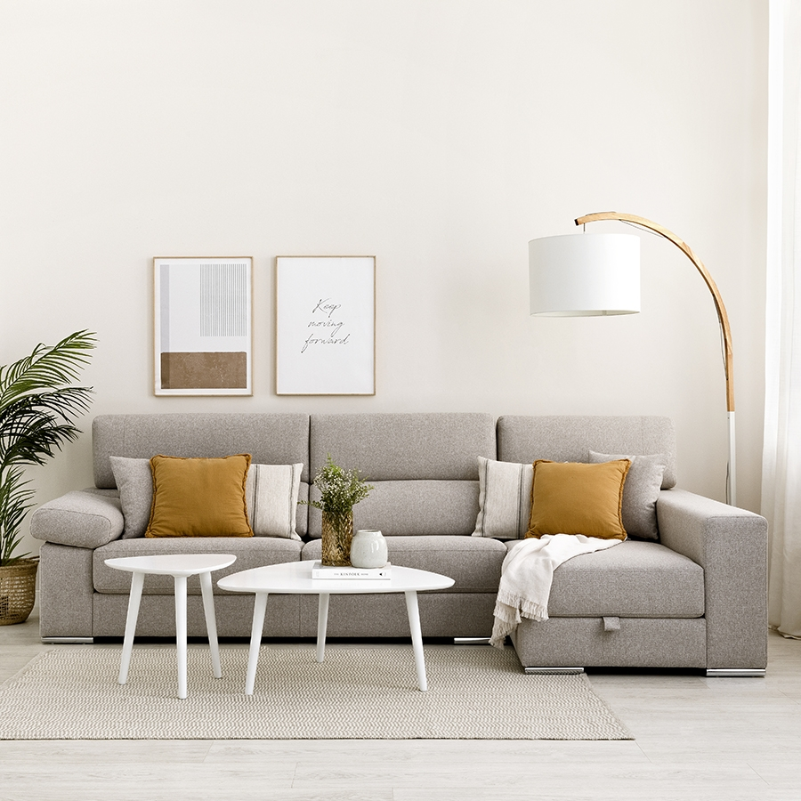 Sofa with chest
