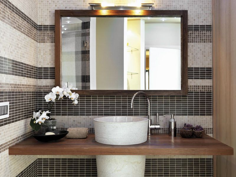 decorate the bathroom with orchids