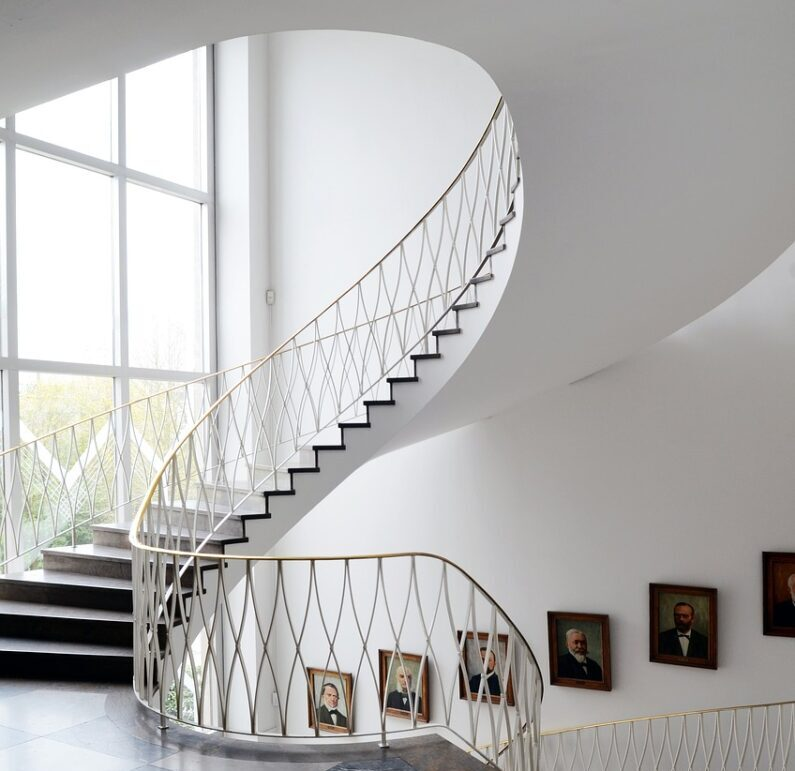 Modern stairs: ideas and suggestions for every style ARTICOLO
