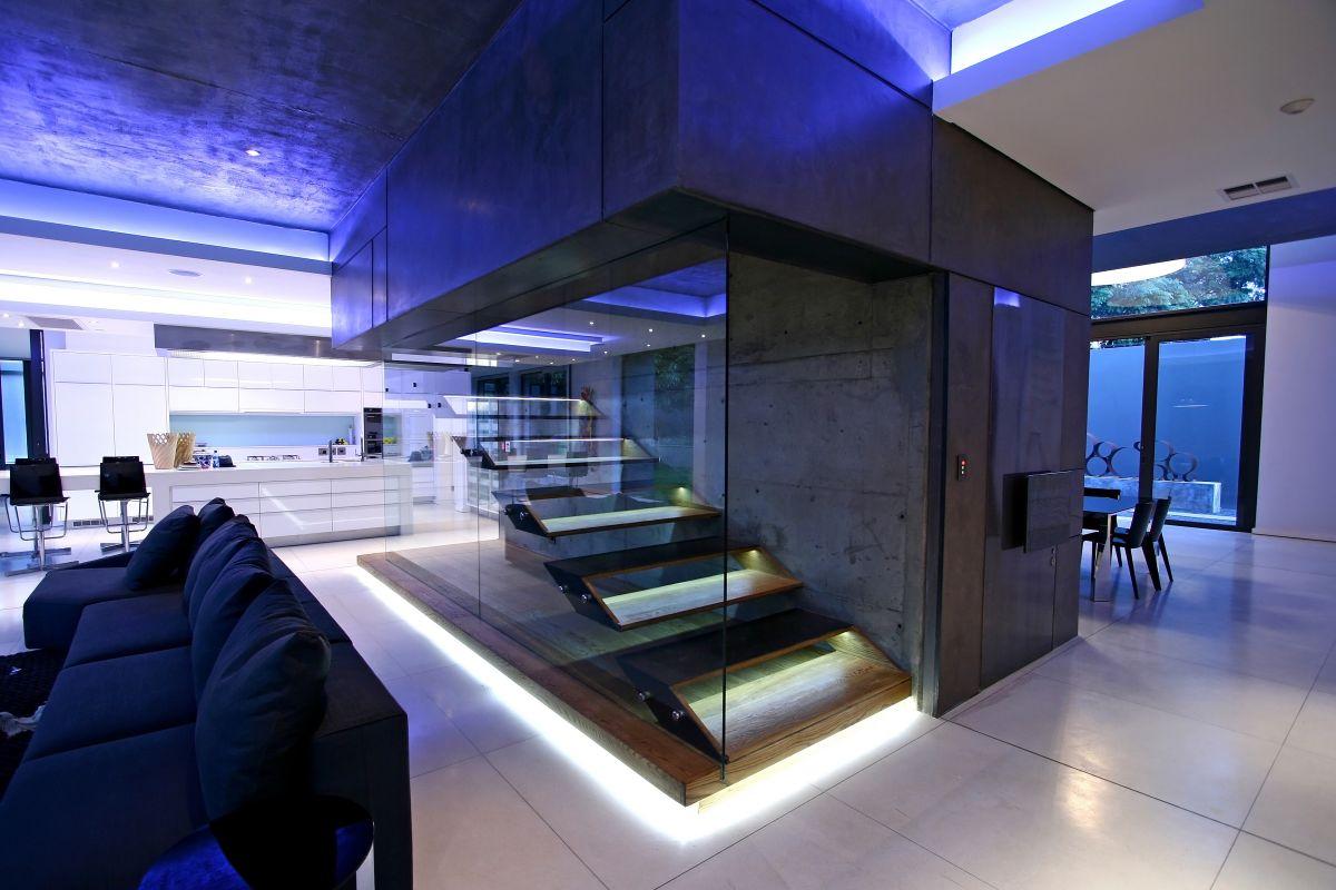 modern-luxury-stairs