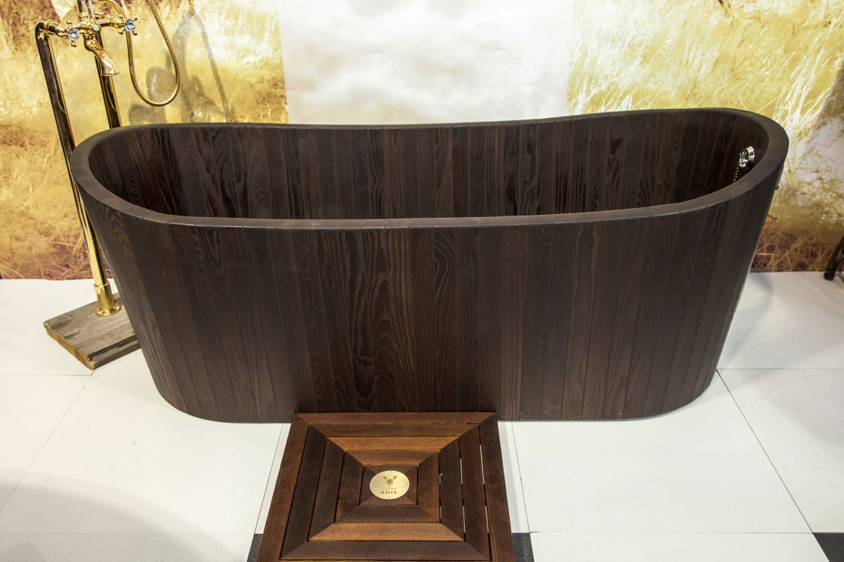 how-to-build-wooden-bathtub