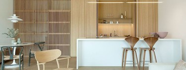 Trend in the kitchen;  the vertical lines or the relief of palilleria dress the most beautiful and elegant kitchens of the moment
